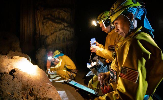Astronavti so opravili vrsto eksperimentov. FOTO: Esa - Vittorio Crobu