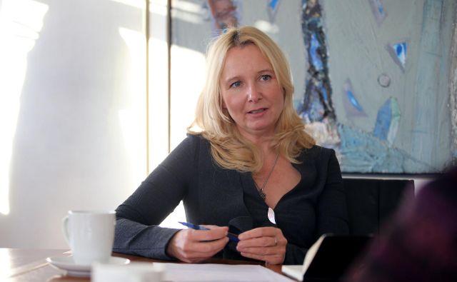 Maja Krumberger, direktorica Slovenskega zavarovalnega združenja: Pogovarjamo se o tem, da smo kot družba dovolj bogati, da bomo lahko vsem prebivalcem zagotovili skoraj neomejene pravice. Foto Tomi Lombar