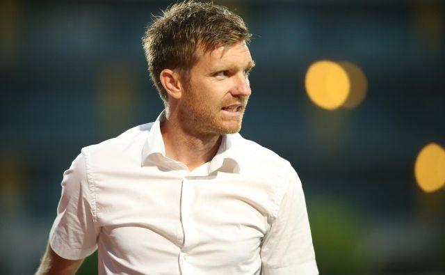 Novi trener nogometnega kluba Rijeka Simon Rožman bo moštvo prvič vodil v torek na pokalni tekmi proti moštvu Buj. FOTO: Jure Eržen/Delo