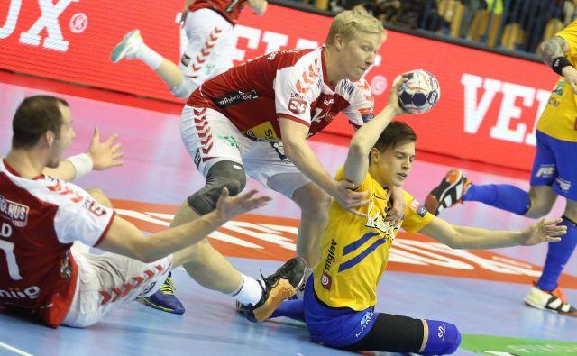 Mladi Domen Makuc je eden od petih igralcev Celja, ki so se pred dvema sezonama merili z Aalborgom. in se veselili zmage domače zmage z 32:28. FOTO: Tomi Lombar
