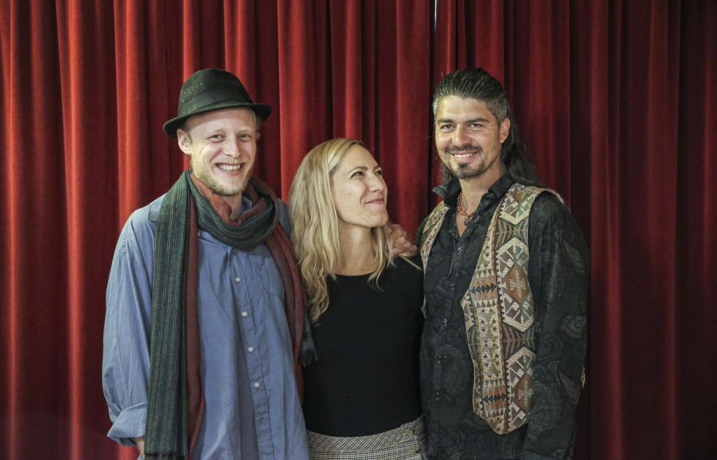 Wild Strings Trio: Namišljena glasba namišljene dežele