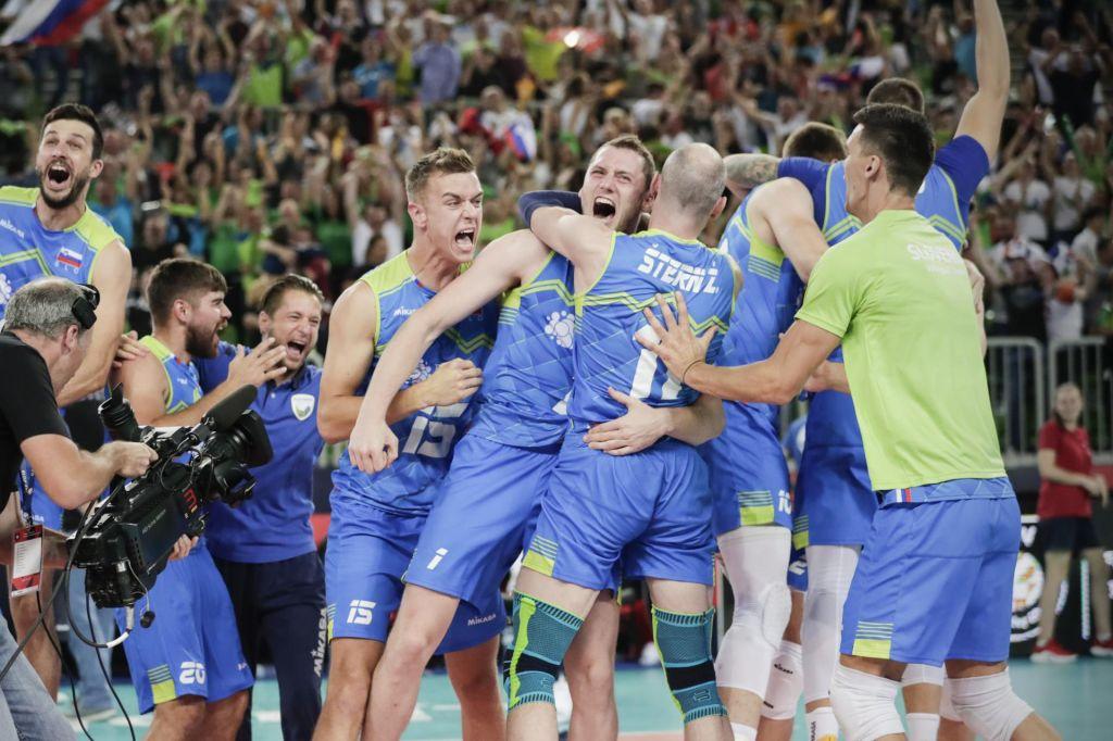 FOTO:Veličastno: Slovenci spet v finalu odbojkarskega EP!