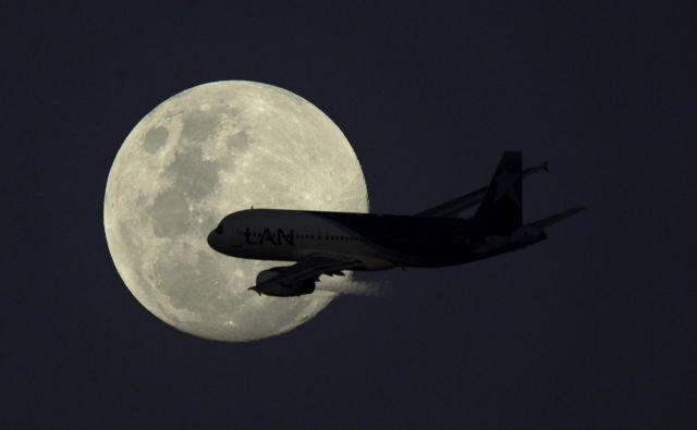 Med seboj zelo oddaljene države so s pomočjo neposrednih letalskih povezav globoko povezane.Foto Juan Mabromata Afp