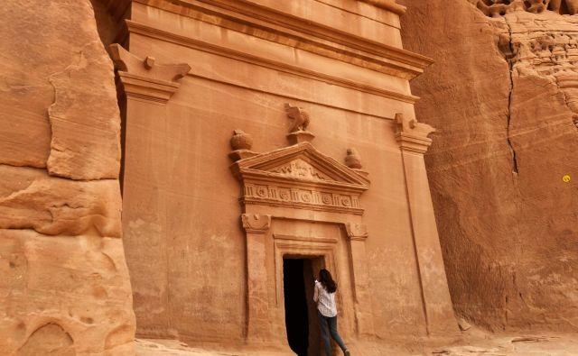 Grobnica Madain Saleh blizu savdskega mesta al-Ula, vpisana v Unescov seznam svetovne dediščine. FOTO: Fayez Nureldine/AFP
