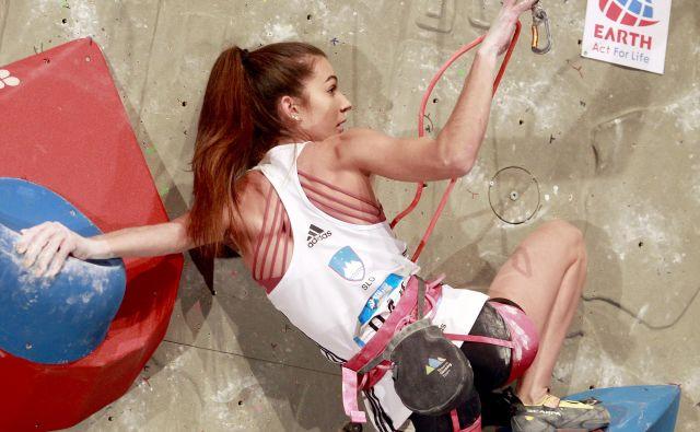 Lučka Rakovec se je po 2. mestu polfinala umirila in zbrala za finale, v katerem se je izkazala s premiernimi stopničkami v karieri. FOTO: Roman Šipić/Delo