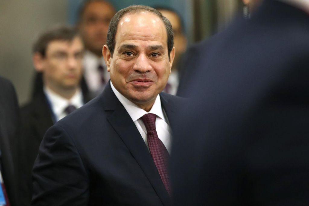V Egiptu po protestih aretiranih dva tisoč ljudi