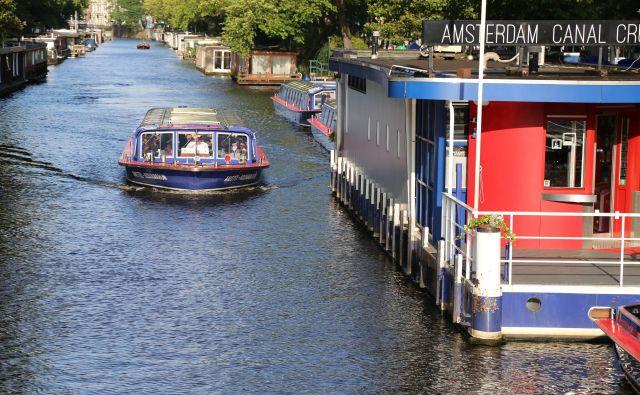 Mestu zaradi številnih kanalov pravijo tudi Severne Benetke. FOTO: Milan Ilić