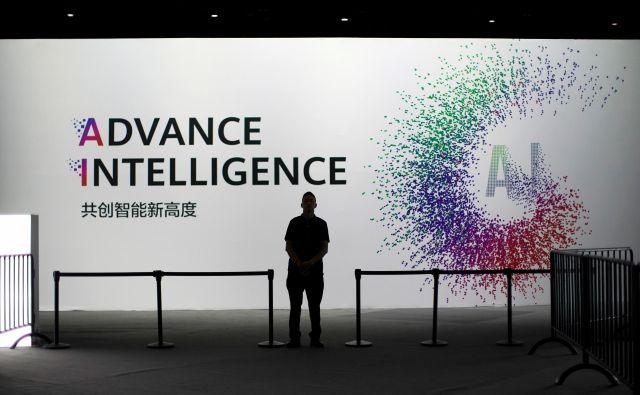 Praktična uporaba umetne inteligence je v središču razprav o prihodnjih trendih v tehnologiji. FOTO: Reuters
