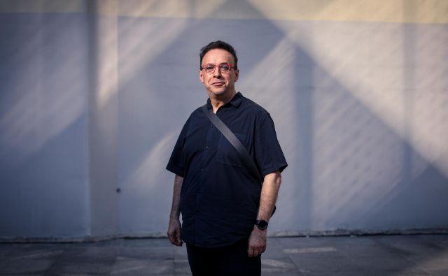 Lev Manovich je avtor več teoretskih knjig, prevedenih v številne jezike, in profesor na Mestni univerzi New Yorka. Poleg kanoničnih knjig o razvoju novih medijev Jezik novih medijev in Software prevzame kontrolo je tudi avtor knjige o instagramu. FOTO: Voranc Vogel