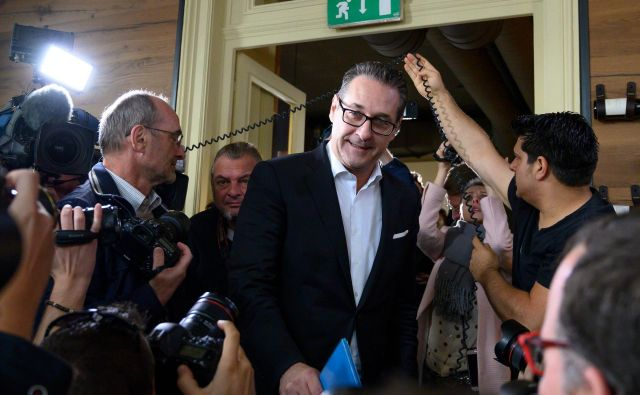 Nekdanji svobodnjaški voditelj Heinz-Christian Strache se bo posvetil družinskemu življenju. FOTO: AFP