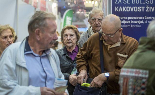Nujno treba izboljšati položaj in preprečevati nadaljnje širjenje diskriminacije starejših, so opozorili tudi na Zvezi društev upokojencev Slovenije (ZDUS) ob dnevu starejših. Foto Voranc Vogel