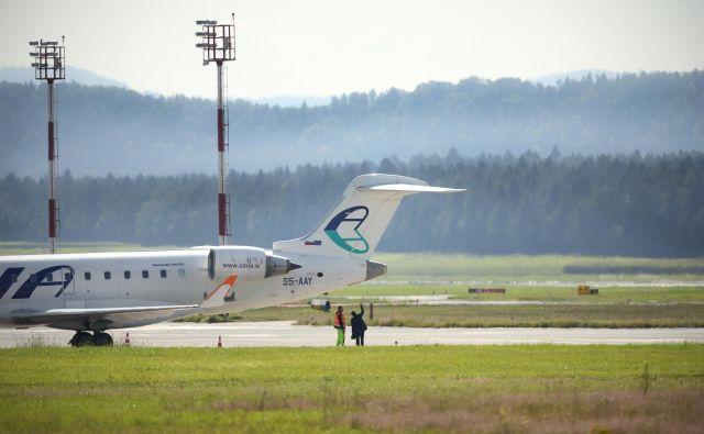 Adria Airways tudi uradno v stečaju. FOTO: Jure Eržen/Delo