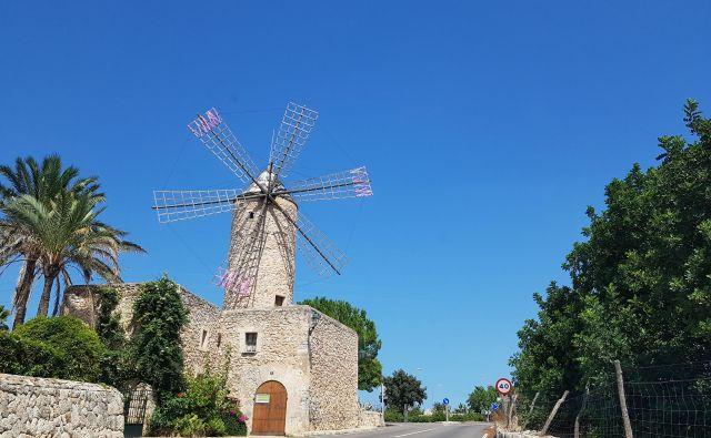 Kaj počnejo z mlini na veter na Mallorci? Foto A. Z.