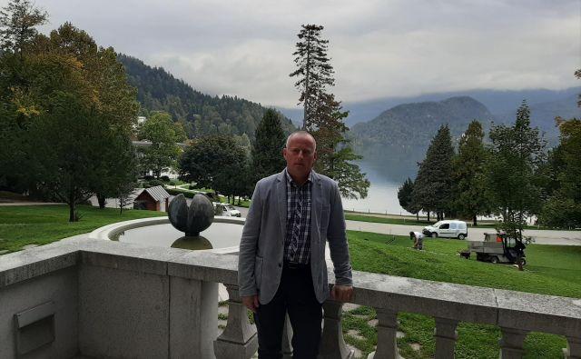 Robert Klinar je domačin in pozna blejsko problematiko. FOTO: Janez Porenta