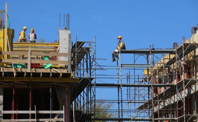 Spor med arhitekti in inženirji gradbeniki prehaja v novo fazo: zdaj se vnema polemika o tem, kdo je lahko vodja nadzora. FOTO: Tadej Regent