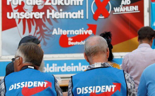 Nemška družba se sprašuje predvsem, zakaj se vzhodna Nemčija vse bolj barva v politične barve skrajne desnice. Foto Reuters
