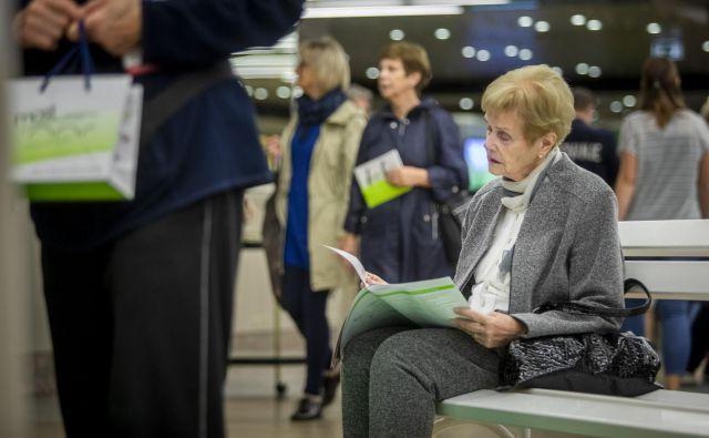 V evropskih državah kar tretjina prebivalcev, starejših od 80 let, potrebuje večji ali manjši delež pomoči za samostojno življenje. Foto Voranc Vogel
