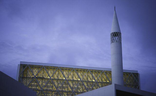 Podoben islamski verski in kulturni center, kakor je v Ljubljani, nameravajo zgraditi tudi v Celovcu. FOTO: Jože Suhadolnik/Delo
