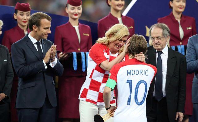Nasprotniki očitajo Kolindi Grabar-Kitarović, da je v funkciji šefice države nastopala kot estradna zvezdnica. FOTO: Carl Recine/Reuters