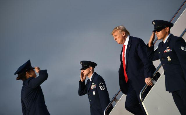 Demokrati verjamejo, da si Trump prisvaja zunanjo politiko za lastne politične cilje. Foto AFP