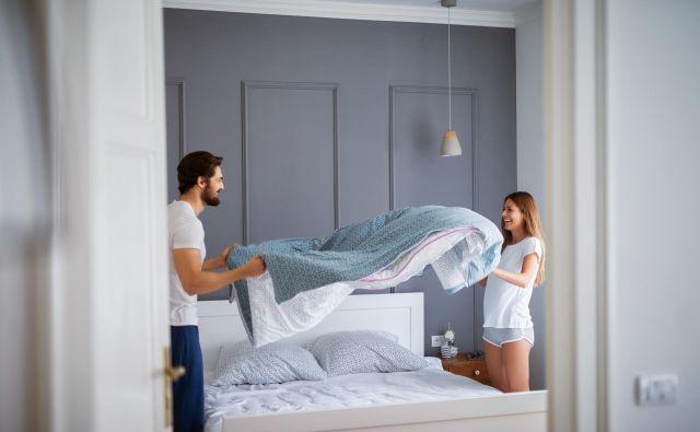Ali zjutraj posteljete posteljo ali jo pustite razmetano, vse dokler se ponovno ne uležete vanjo? FOTO: Shutterstock