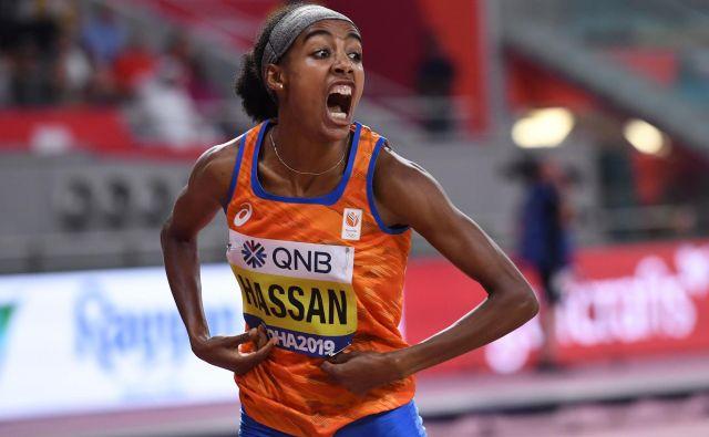Sifan Hassan je po težavnem tednu na 1500 zmagala z rekordom svetovnih prvenstev in evropskim rekordom. Njen čas 3:51,95 je šesti najboljši v zgodovini. FOTO: AFP