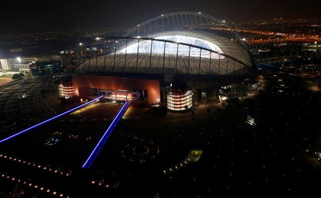 Štadion Kalifa je edini, ki ni oziroma ne bo na novo zgrajen za svetovno prvenstvo, ampak je bil zgolj obnovljen. FOTO: Reuters