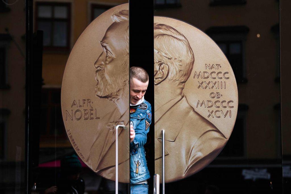 Greta, papež, fotografi črne luknje ali kdo bo dobil Nobelovo nagrado