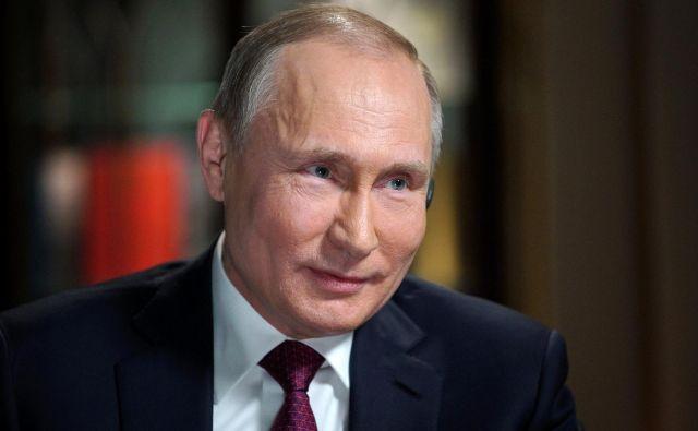 Poročilo poročilo posebnega tožilca Roberta Muellerja, je ugotovilo, da je Rusija poskušala nagniti ameriške predsedniške volitve leta 2016 v prid republikancev. FOTO: Sputnik/Reuters