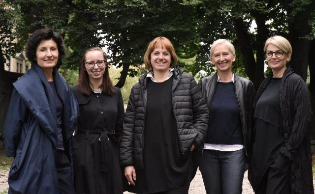 Od leve proti desni: Nives Čorak, Tina Gradišer, Barbara Viki Šubic, Špela Kuhar inPolona Filipič Foto CAS