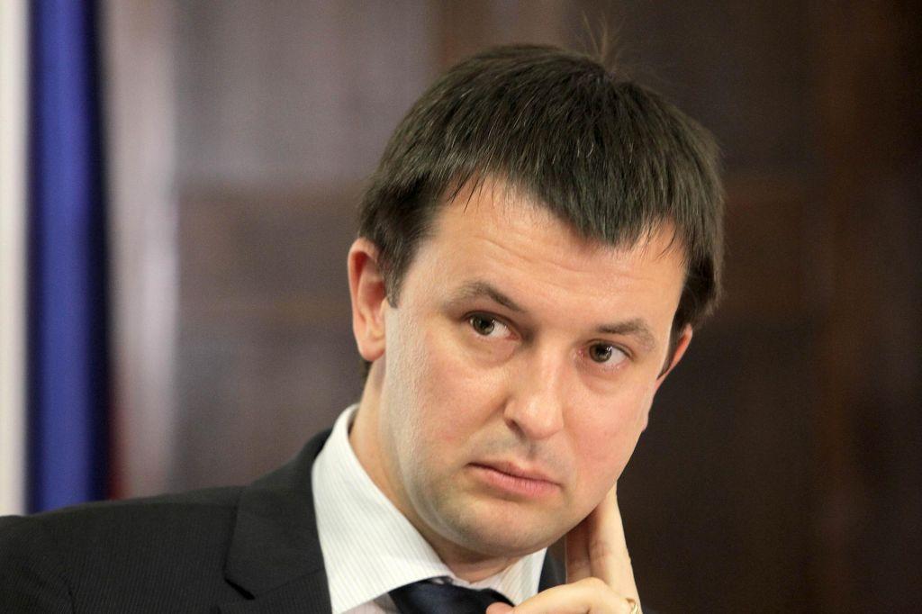 Višina bančne luknje presenetila tudi ministrstvo