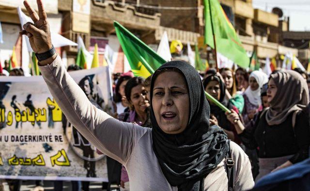 Demonstracije Kurdov proti turški invaziji. FOTO: Delil Souleiman/AFP