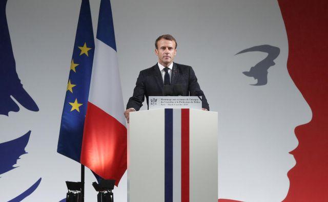 Po oceni analitikov bo francoski predsednik Emmanuel Macron sprejel odločitev pet minut pred dvanajsto. FOTO: Benoît Tessier/Reuters<br />