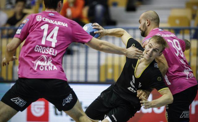 Celjski rokometaši bodo tudi letošnjega oktobra igrali v rožnatih dresih. FOTO: Uroš Hočevar