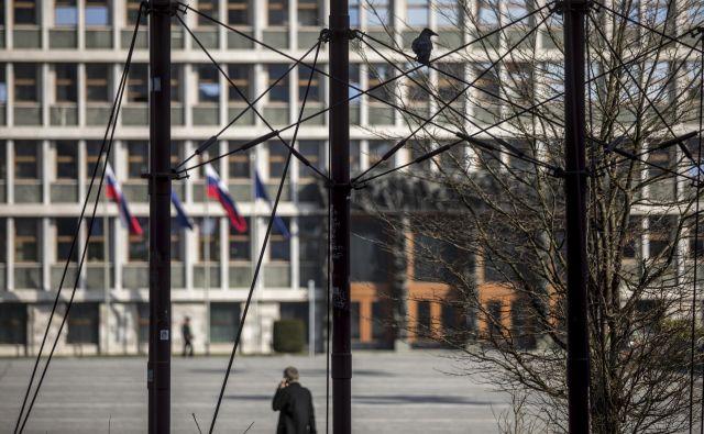 Mandatno-volilna komisija je po burni razpravi o statusu poslancev ob nasprotovanju Levice in NSi prižgala zeleno luč noveli zakona o poslancih. FOTO: Voranc Vogel/Delo