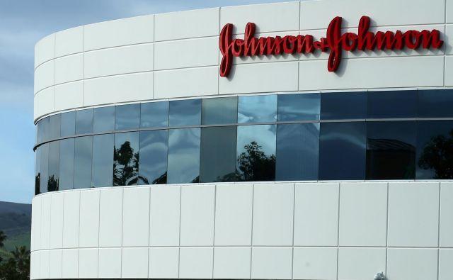 V družbi Johnson & Johnson so prepričani, da bo »nesorazmerna« kazen v nadaljnjem postopku padla. FOTO: Mike Blake/Reuters