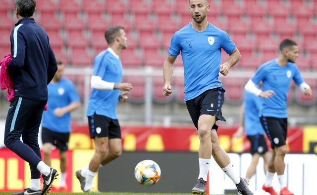 Andraž Šporar je v tej sezoni zabil že 13 golov v majici Slovana, po enega Izraelu in Poljski tudi v dresu reprezentance. FOTO: Roman Šipić