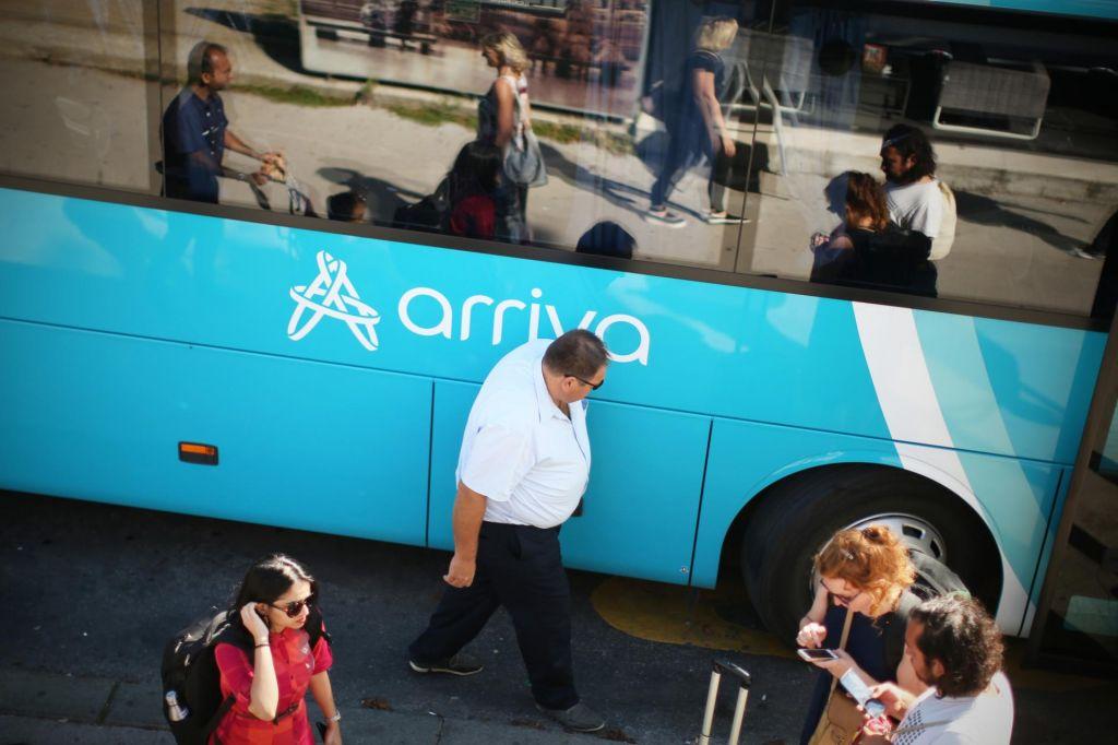 Ko čakaš na avtobus, voznik pa odpelje mimo