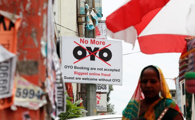 Več sto indijskih hotelov je izstopilo iz sistema rezervacij prek družbe Oyo, ker jim vzame prevelik del zaslužka. Foto Reuters