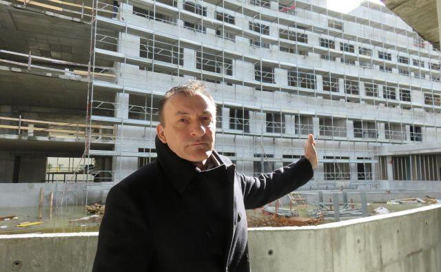 Ante Guberac, predstavnik Grafista, pričakuje uporabno dovoljenje za novo koprsko upravno središče konec tega tedna. Foto Nataša Čepar