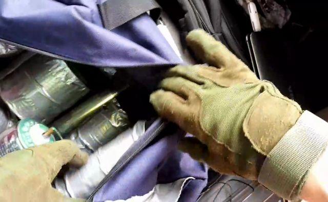 V avtomobilu napadalca so našli štiri kilograme eksploziva. FOTO: AFP