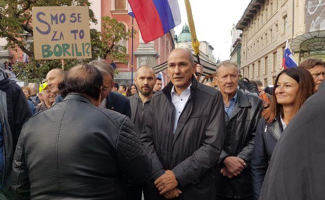 Janez Janša na protestnem shodu Rešimo Slovenijo. FOTO: S. K.