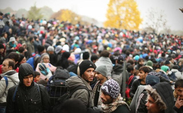 Povečani migracijski tok ne more biti razlog za omejitev sprejemanja prošenj za azil. FOTO: Jure Eržen/Delo