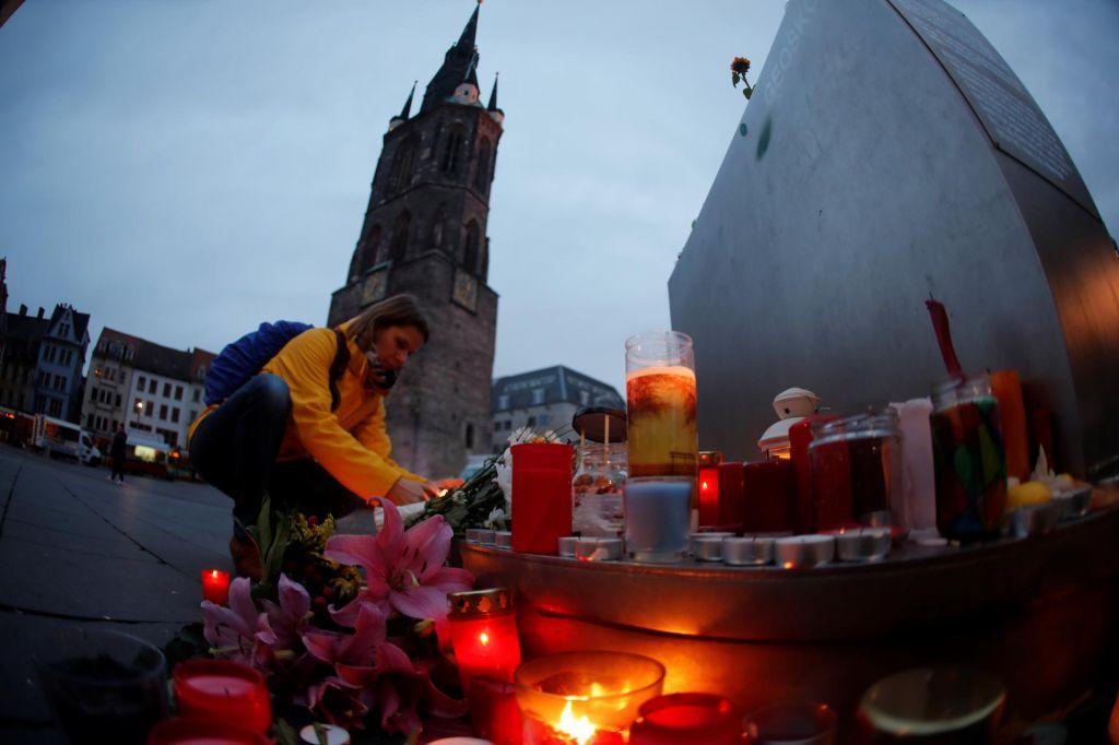 Sedemindvajsetletni Nemec napad na sinagogo prenašal na platformi za videoigre