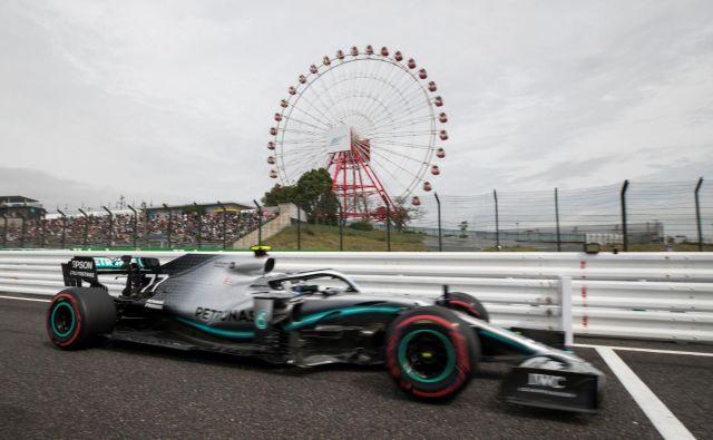 Finski dirkač Valtteri Bottas je bil danes najhitrejši v Suzuki. FOTO: AFP