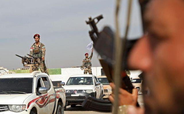 Turčija je invazijo, ki je namenjena razbitju kurdskih ozemeljskih, vojaških in političnih povezav, pripravljala vsaj pol leta. FOTO: Zein Al Rifai/AFP