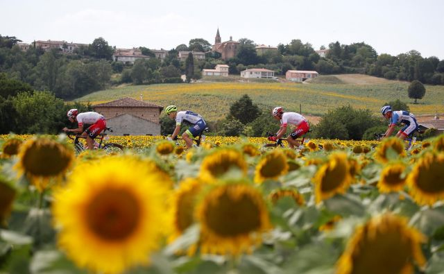 Boris Leskovec: »Spremljanje Tour de Francea je bilo tudi prisrčno »vabilo« za obisk Francije, njenih mest, vasi in čudovite kulturne krajine.« Foto Reuters