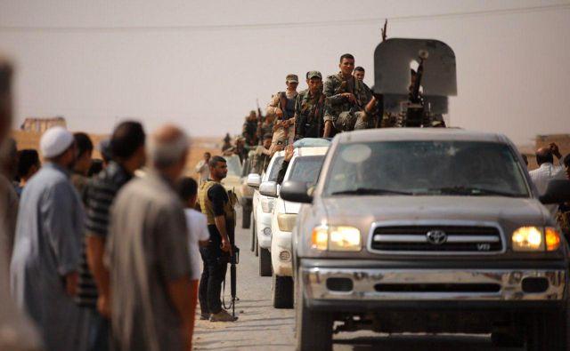 Sirski Kurdi so se bili primorani obrniti na sirske vladne sile.Foto: AFP