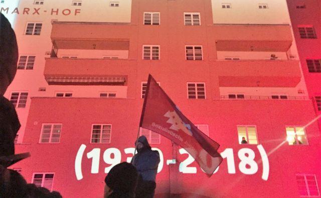 Dvanajstega februarja letos so se pred Karl-Marx-Hofom spomnili 85. obletnice začetka državljanske vojne.