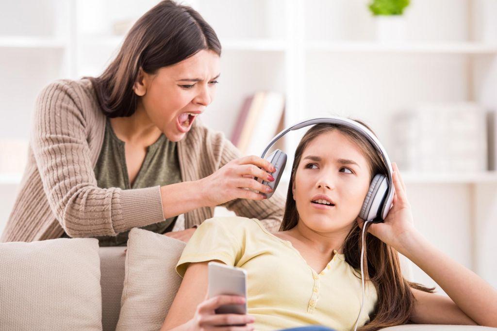 S hčerko se ne razumeva